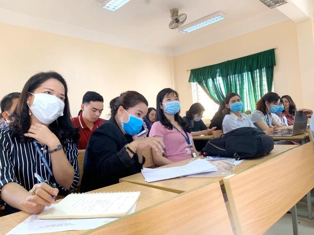 Chủ tịch tỉnh Thừa Thiên Huế kiểm tra công tác phòng dịch của nhà trường - 8