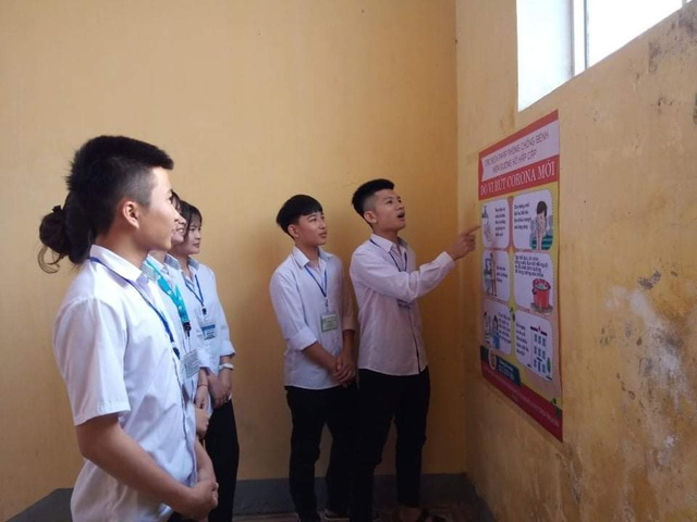 Hà Tĩnh: Đo thân nhiệt cho học sinh THPT 2 lần mỗi ngày tại cổng trường - 6
