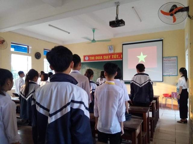 Hà Tĩnh: Đo thân nhiệt cho học sinh THPT 2 lần mỗi ngày tại cổng trường - 5