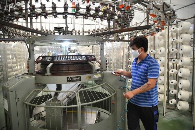 TPHCM gấp rút sản xuất hàng triệu khẩu trang vải kháng khuẩn - 4