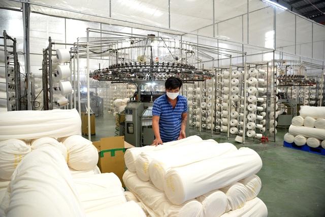 TPHCM gấp rút sản xuất hàng triệu khẩu trang vải kháng khuẩn - 1