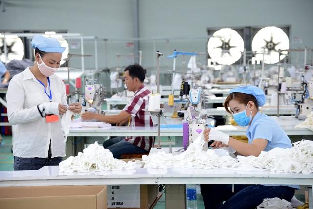 TPHCM gấp rút sản xuất hàng triệu khẩu trang vải kháng khuẩn - 8