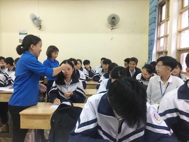 Quảng Trị: Trường học lên phương án xử lý các trường hợp sốt, ho, khó thở - 1