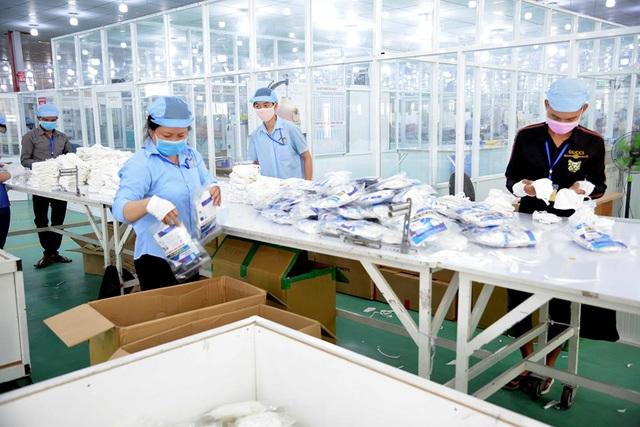 TPHCM gấp rút sản xuất hàng triệu khẩu trang vải kháng khuẩn - 11