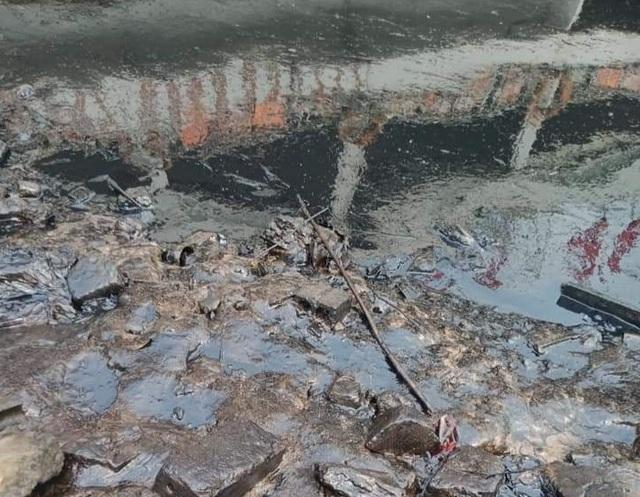 Truy tìm thủ phạm gây ra vết dầu loang trên sông Lam - 2