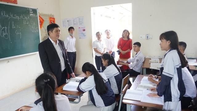 Hàng nghìn học sinh vắng học trong ngày đầu quay lại trường - 2