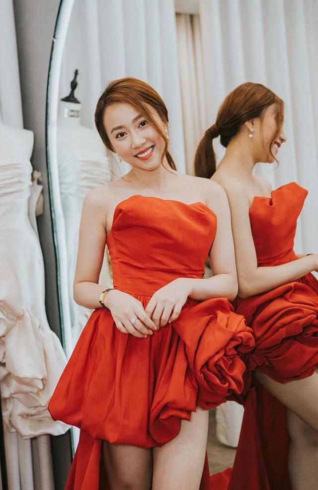 Tiền đạo Tiến Linh và diễn viên Huỳnh Hồng Loan xác nhận hẹn hò - 11