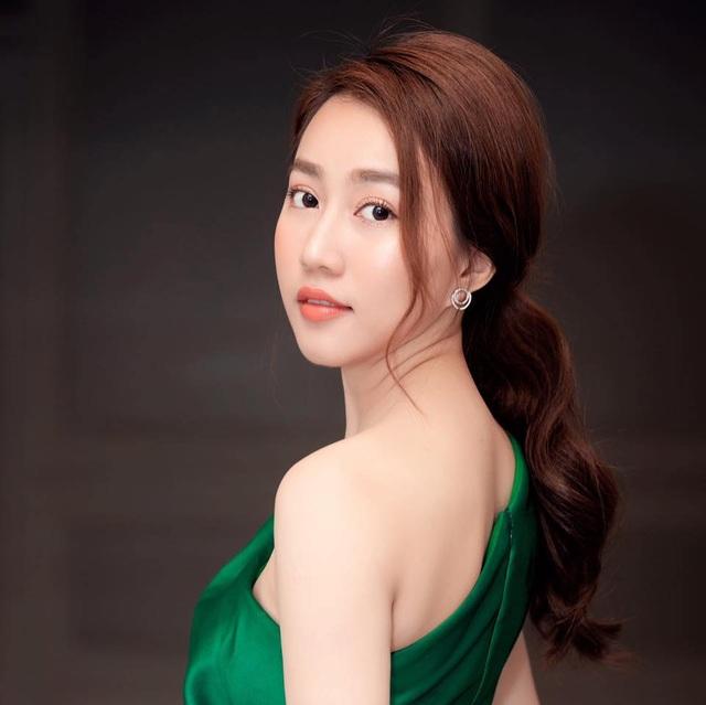 Tiền đạo Tiến Linh và diễn viên Huỳnh Hồng Loan xác nhận hẹn hò - 3