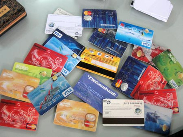 Phá án công nghệ cao: Khó vì sim rác, thẻ ngân hàng - 4