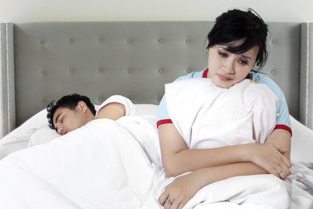 Có nên nghe lời chồng nghỉ việc ở nhà làm nội trợ? - 1