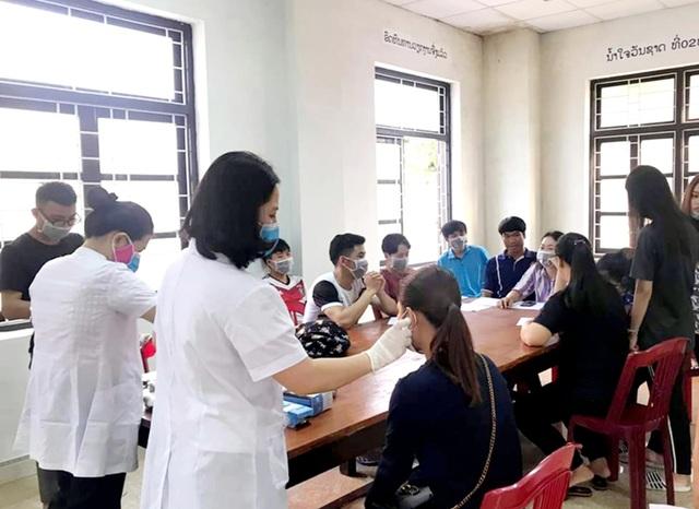 ĐH Quảng Bình: Gần 2 nghìn SV quay lại trường sau 1 tháng nghỉ phòng dịch - 2