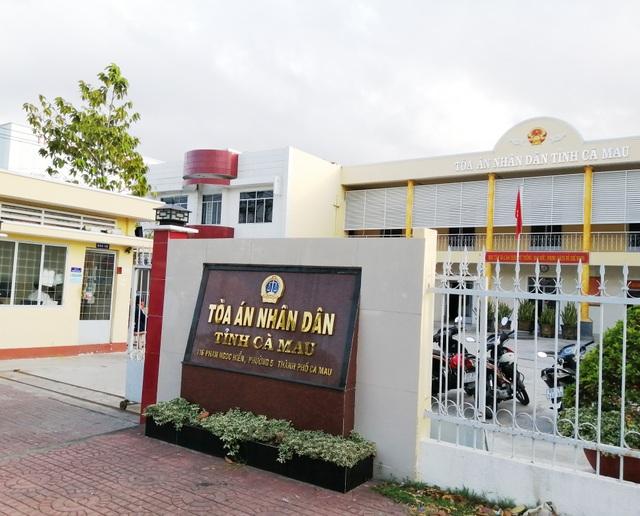 Cà Mau: Nguyên kế toán Ủy ban thị trấn vẫn kêu oan trong phiên tòa thứ 12 - 4