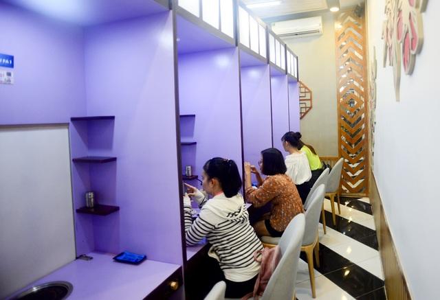 """Quán lẩu đặc biệt ở Sài Gòn giúp nhiều thanh niên """"thoát ế"""" - 1"""