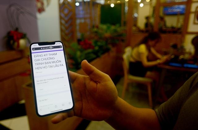 """Quán lẩu đặc biệt ở Sài Gòn giúp nhiều thanh niên """"thoát ế"""" - 5"""