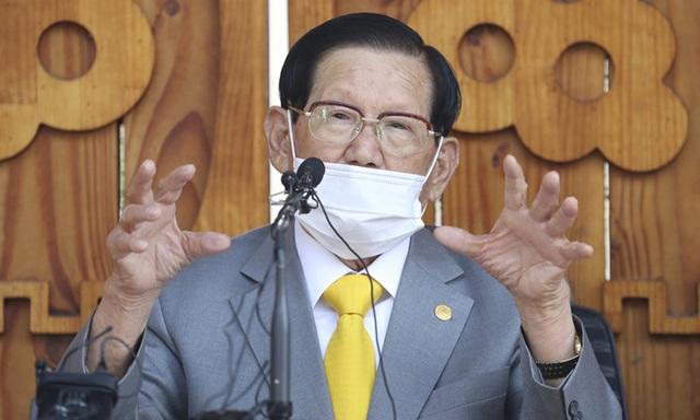 Hàn Quốc đột kích, ép giáo chủ Tân Thiên Địa xét nghiệm Covid-19 - 1