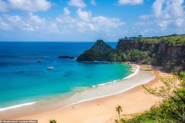 Điểm danh những bãi biển quyến rũ nhất thế giới - 1