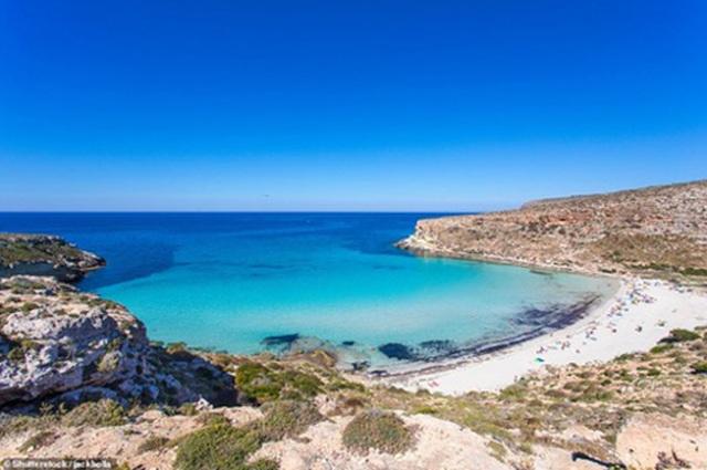 Điểm danh những bãi biển quyến rũ nhất thế giới - 4