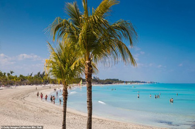 Điểm danh những bãi biển quyến rũ nhất thế giới - 9