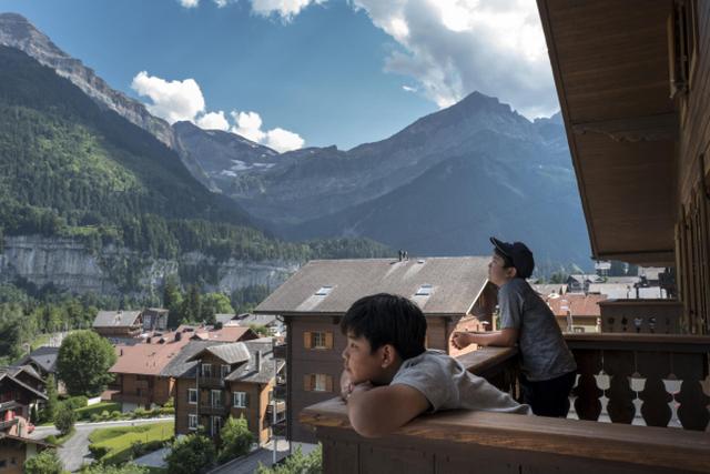 Chương trình du học hè Thuỵ Sĩ cả gia đình , và khoá đại học ngành du lịch khách sạn - 3