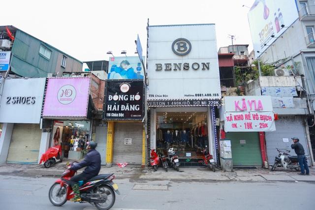 Kinh doanh ế ẩm, hàng loạt cửa hàng ở Hà Nội đóng cửa trả mặt bằng - 1