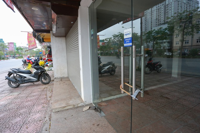 Kinh doanh ế ẩm, hàng loạt cửa hàng ở Hà Nội đóng cửa trả mặt bằng - 5