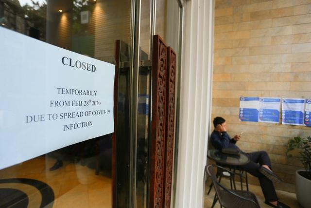 Kinh doanh ế ẩm, hàng loạt cửa hàng ở Hà Nội đóng cửa trả mặt bằng - 10