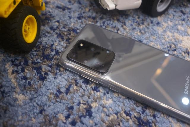 Đánh giá Galaxy S20 Ultra - Sự lột xác ấn tượng - 4