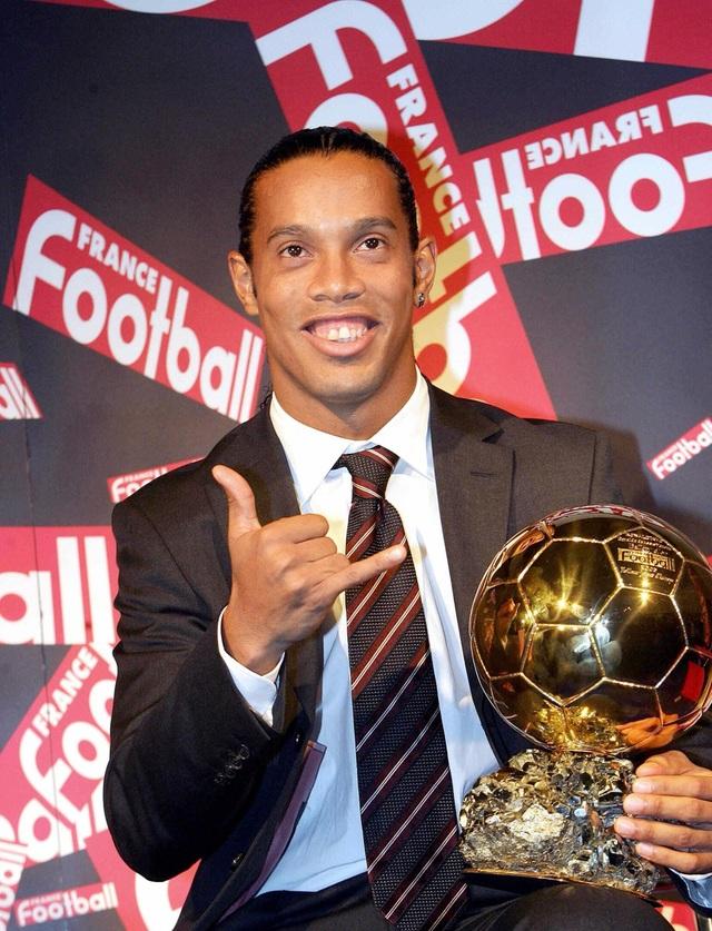 Hành trình khiến sự nghiệp tụt dốc không phanh của Ronaldinho - 2