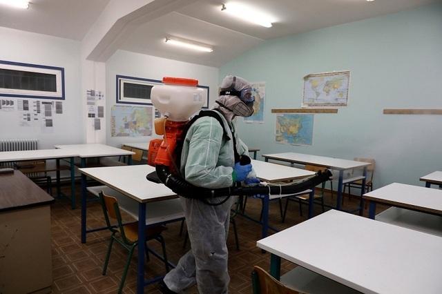 Gần 300 triệu học sinh toàn cầu nghỉ học vì Covid-19 - 2