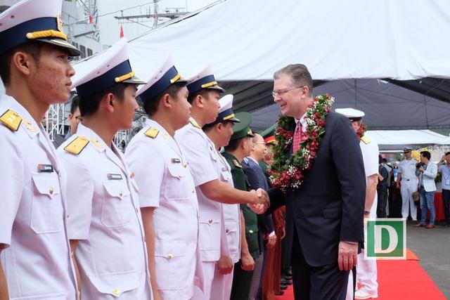 Nhóm tàu sân bay Mỹ bắt đầu chuyến thăm hữu nghị Đà Nẵng - 3