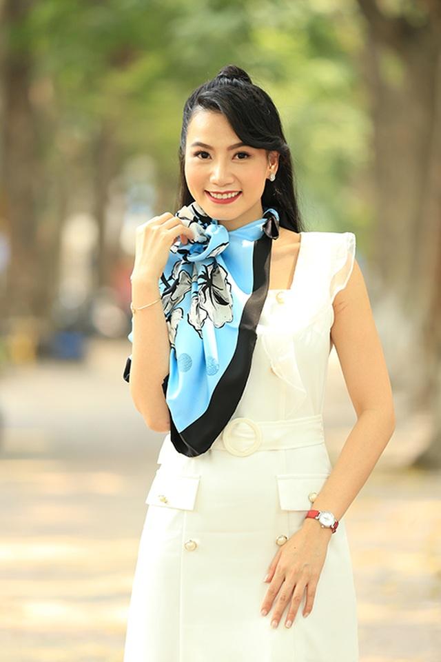 Lương Giang: Nữ hoạ sĩ, giảng viên với vai diễn bị ghét nhất màn ảnh - 7