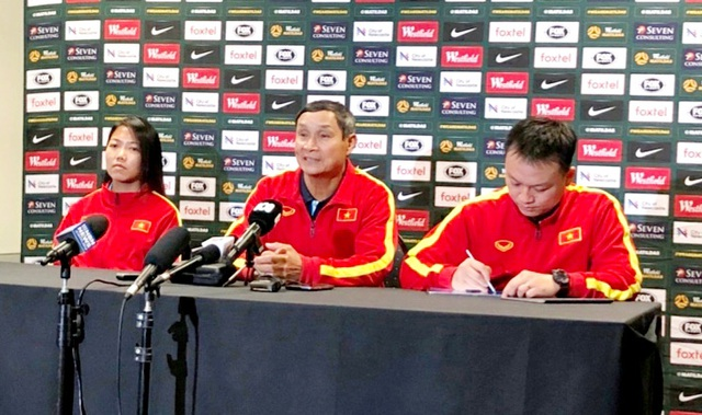 HLV Mai Đức Chung muốn hạn chế bàn thua trước Australia - 1