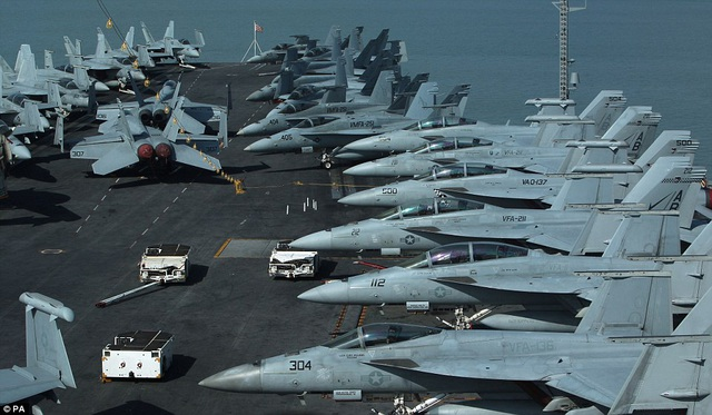 """Tàu sân bay USS Theodore Roosevelt - """"thành phố nổi"""" của Hải quân Mỹ - 4"""
