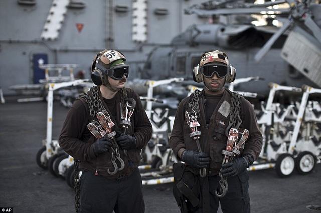 """Tàu sân bay USS Theodore Roosevelt - """"thành phố nổi"""" của Hải quân Mỹ - 7"""