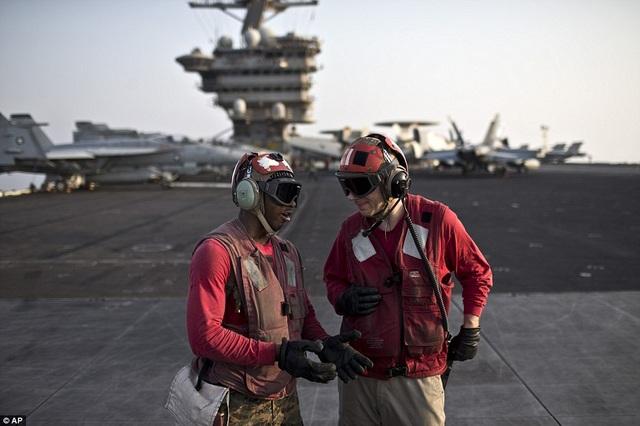 """Tàu sân bay USS Theodore Roosevelt - """"thành phố nổi"""" của Hải quân Mỹ - 8"""