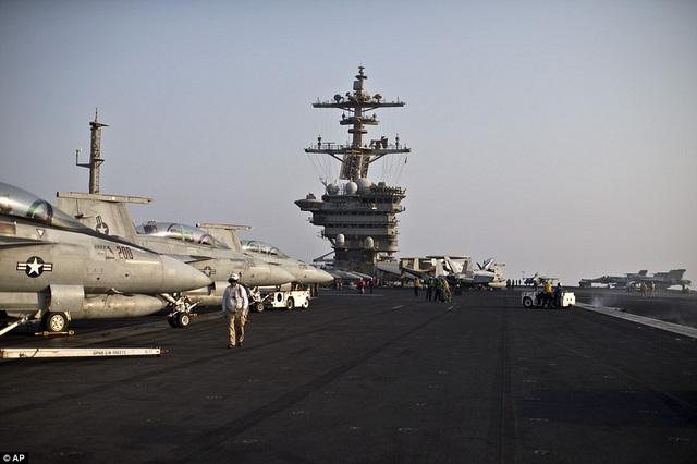 """Tàu sân bay USS Theodore Roosevelt - """"thành phố nổi"""" của Hải quân Mỹ - 11"""