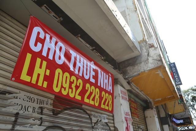 TP.HCM: Hàng loạt cửa hàng vị trí đất vàng đóng cửa, trả mặt bằng - 2