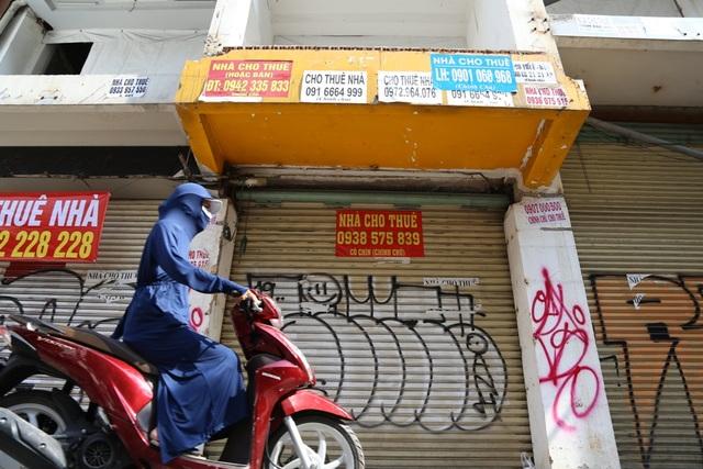 TP.HCM: Hàng loạt cửa hàng vị trí đất vàng đóng cửa, trả mặt bằng - 5