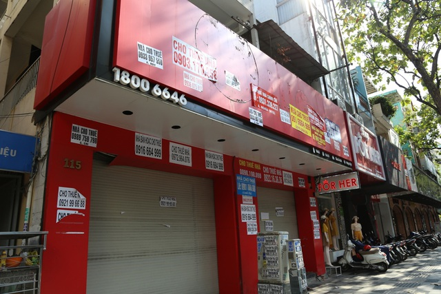 TP.HCM: Hàng loạt cửa hàng vị trí đất vàng đóng cửa, trả mặt bằng - 6