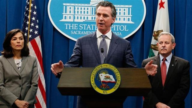 California tuyên bố tình trạng khẩn cấp vì Covid-19, theo dõi 9.400 người - 1