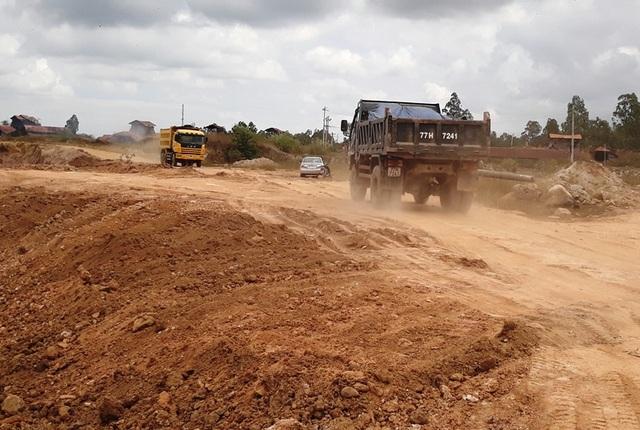 Bình Định: Rầm rộ đưa đất sét trong cụm công nghiệp ra ngoài đổ thải? - 5