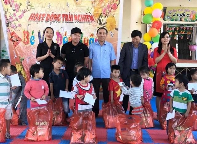 Chủ nhà hàng gom vỏ lon gây quỹ gần trăm triệu đồng/năm tặng học sinh nghèo - 5