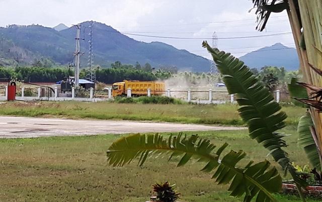 Bình Định: Rầm rộ đưa đất sét trong cụm công nghiệp ra ngoài đổ thải? - 6