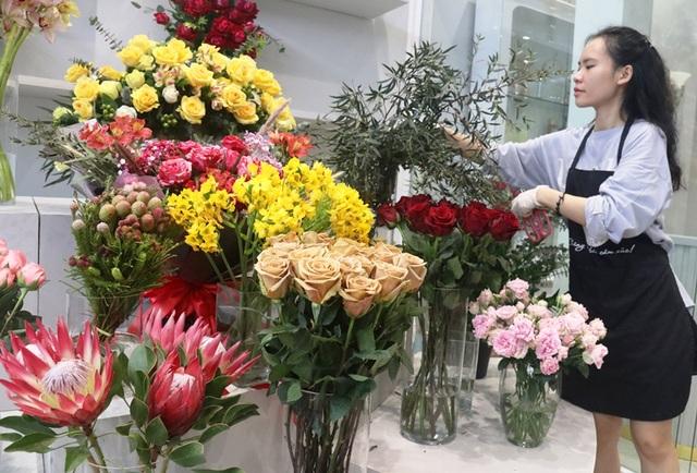 Hà Tĩnh: Hoa lạ, đắt đỏ tràn ngập thị trường ngày 8/3 - 6