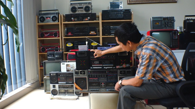 Bộ sưu tập 1000 chiếc đài radio cassette cổ gần 1 tỷ đồng tại Hà Nội - 1