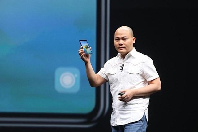 CEO Nguyễn Tử Quảng tiết lộ sẽ ra mắt Bphone 4 vào ngày 25/3 - 1