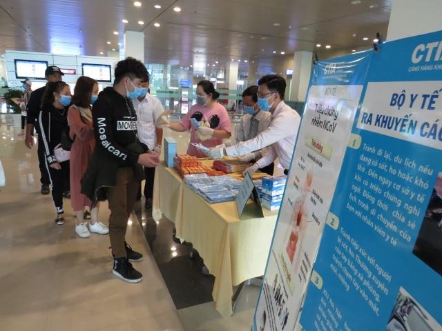 Sân bay Cần Thơ dừng tiếp nhận khách trở về từ Hàn Quốc - 1