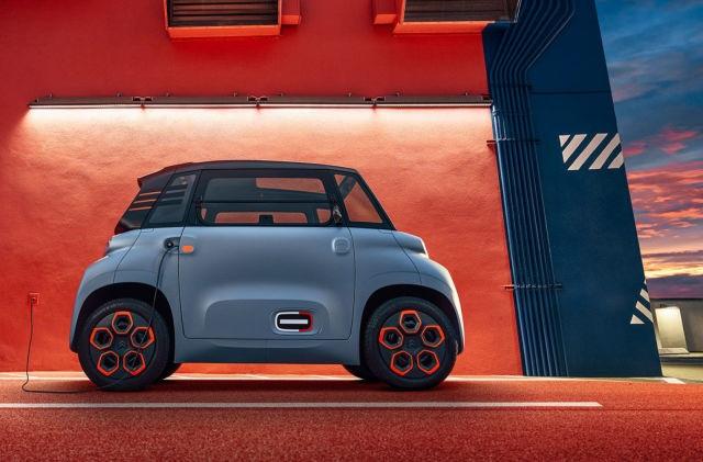 Citroen Ami - Cuộc hôn phối giữa ô tô với xe tay ga - 1
