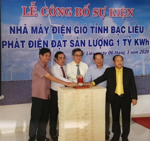 Gần 7 năm, Điện gió Bạc Liêu cán cột mốc phát điện sản lượng 1 tỷ KWh - 1