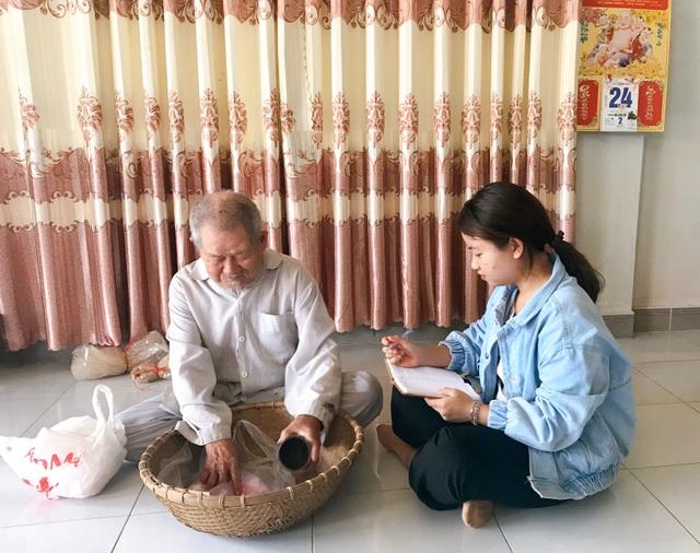 Cụ ông 90 tuổi bán đậu phộng để làm từ thiện giúp người nghèo - 4